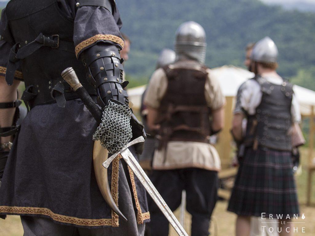 Photographie d'une fête médiéval, la légende de Maurienne